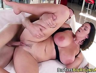 Curvy Babe Fucking Juicy Boobs
