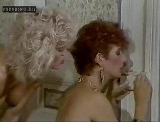 Alexandra and Natalia in lesbian group performance