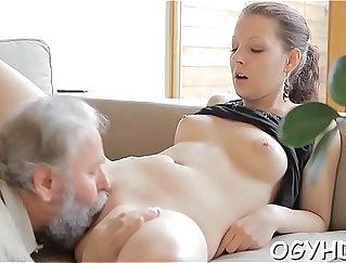 Busty Jessica Cruz pleasing a strapon in wrong position
