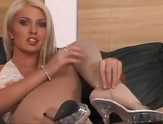 Check out Lana Jhule Jock in tights and pantyhose action
