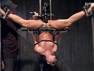 Carolina Hitcher! Extreme Hardcore Squirting