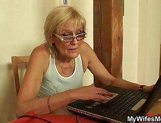 Classy mom with thick tits playing with dildo
