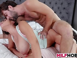 Blowhard deep anal fucks to earn topping