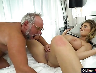 chick that has nice ass is receiving a dick in her wet pussy
