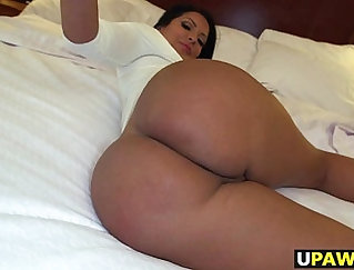 Becky Jakes Strokes Her Pussy And Ass