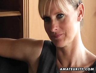 Amateur MILF sucking thick body ebony dick for cum