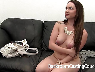 Amateur does raunchy creampie on casting audition
