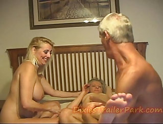 Behind the scenes of the gang bang with sexy milf