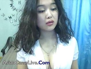 Big Tits Webcam Babe Nude
